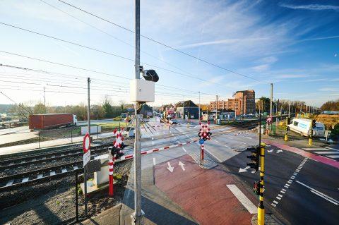 Overweg Oudegem uitgerust met flitscamera's om verkeersveiligheid te verbeteren