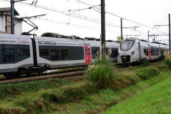 Treinen van SNCF zijn gestopt vlakbij station Saint-Jean-de-Luz-Ciboure waar het dodelijk ongeluk gebeurde, foto: ANP