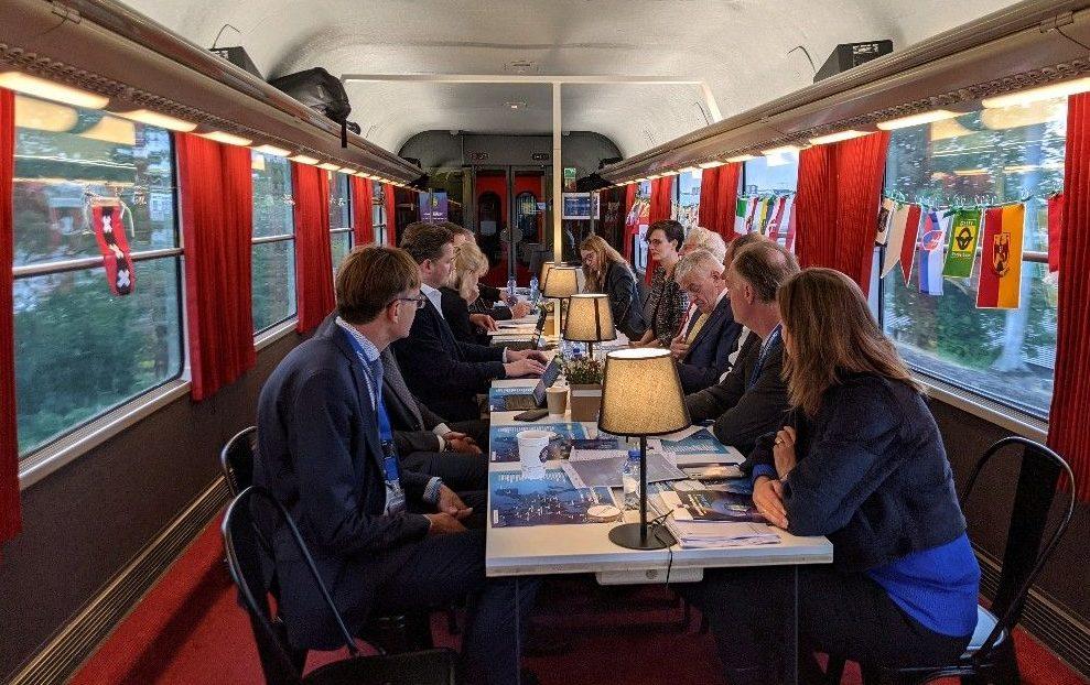De Connecting Europe Express